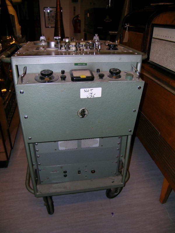 EMI-TR90-EMI-Archives.jpg