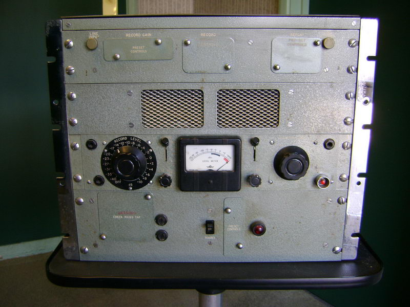TR-90-amp.jpg